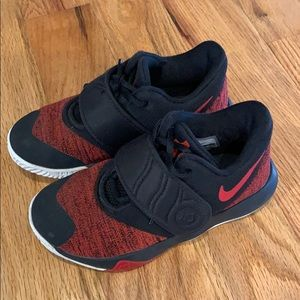 Nike boys size 12.5 sneakers